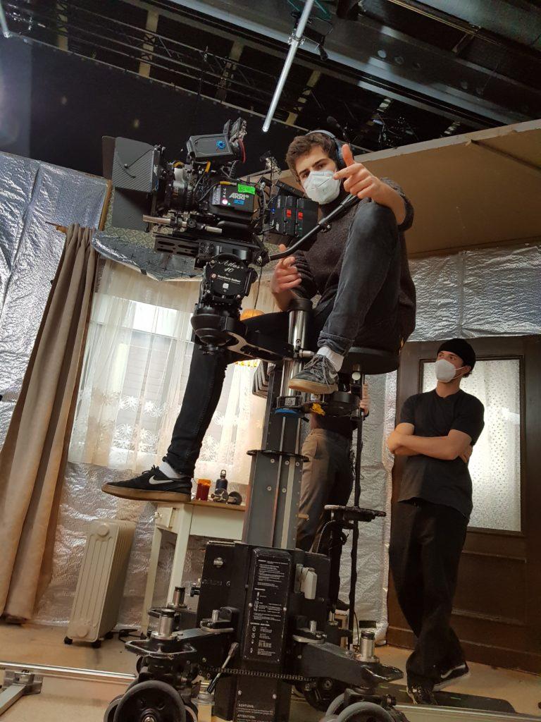 Kameramann bei den Dreharbeiten
